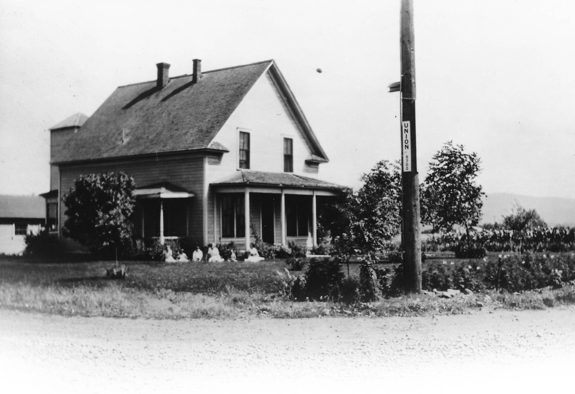 2124 North Fancher: Pioneer Beginnings